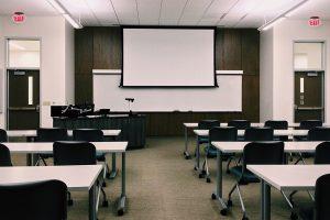 classroom-1910014_960_720