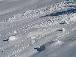 avalanche-16183_960_720